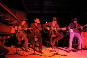 2004 - Hügelshart (g) - Wolf Schludi (guitar, vox), Lewis Glover (harp,vox), Hank Davison (vox, guitar), Al Morris (bass)