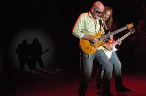 2007 - Augsburg (G) - Doc Reinelt (guitar), Wolf Schludi (guitar, vox)